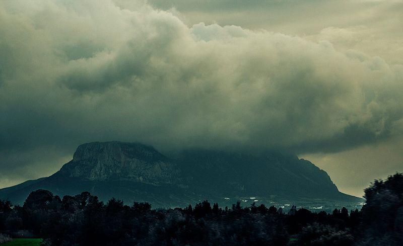 Ressas Mountain